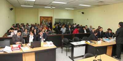 Defensas continuarán con alegatos en juicio Cajubi