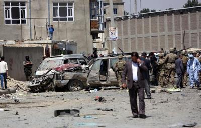 Al menos cinco muertos al inmolarse una atacante suicida en Afganistán