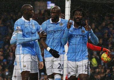 Manchester City lidera