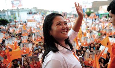 Hija de expresidente Fujimori lidera sondeos para presidenciales en Perú