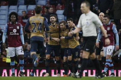 El Arsenal trepa a la cima