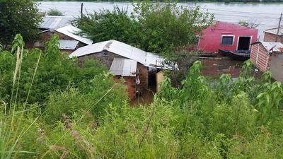 Horas críticas en Alberdi por inundaciones