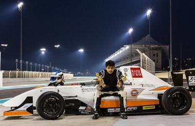 Un piloto pakistaní sueña con la Fórmula 1 en un país loco por el cricket