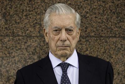 """Vargas Llosa fue accionista de una """"offshore"""" según los papeles de Panamá"""