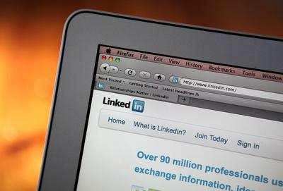 Microsoft se zambulle en redes sociales y compra LinkedIn