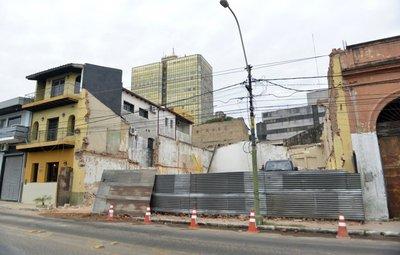 Edificio demolido frente al Palacio de López era patrimonio, dice SNC