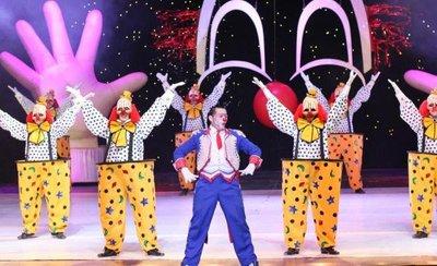 La magia del circo Tihany continúa en el Jockey Club