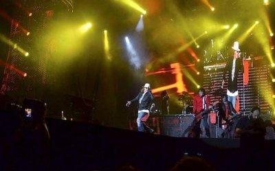 Guns N' Roses escribe historia del rock en Paraguay