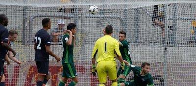 Betis, con Tonny Sanabria, empata contra el Everton
