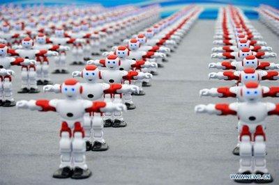 Más de mil robots bailarines baten un récord Guinness en el este de China