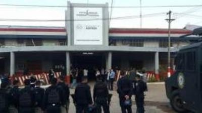 Refuerzan seguridad de Tacumbú con traslado de reos peligrosos