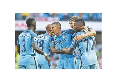Guardiola debuta con una victoria en el City