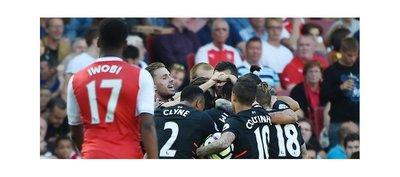Liverpool asalta el Emirates y pone de relieve los problemas del Arsenal