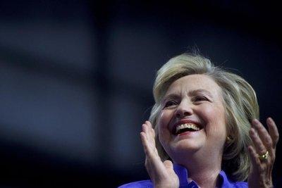 EE.UU.: Clinton nombra a veteranos de Obama a su equipo de transición