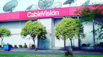 Clarín escindirá de Cablevisión e intenta competir con Telefónica