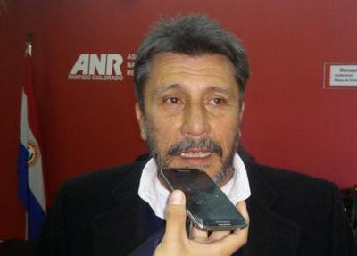 Quién es Julio Vega, el seccionalero stronista que pide la reelección de HC