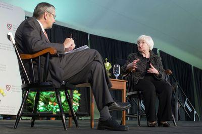 Pleno empleo sin aumento salarial complica inflación para la Fed