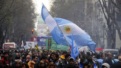 Argentina: Culmina marcha contra el ajuste del Gobierno