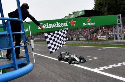 Rosberg, a dos de Hamilton