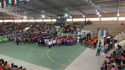 Inauguran polideportivo en Casado