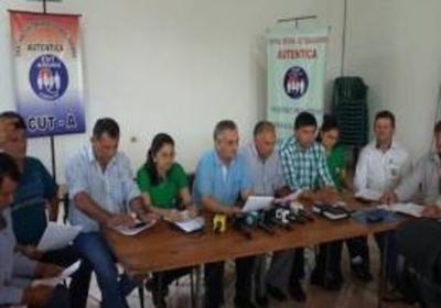 """12 mil """"avivados"""" piden la condonación de deudas: líderes evitan respuestas"""