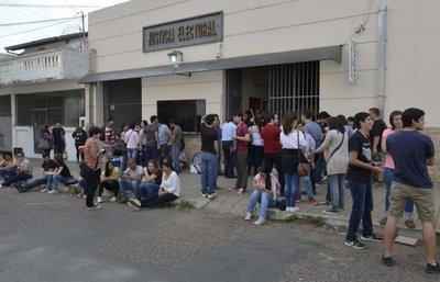 Por orden judicial suspenden comicios para renovar autoridades en la UNA