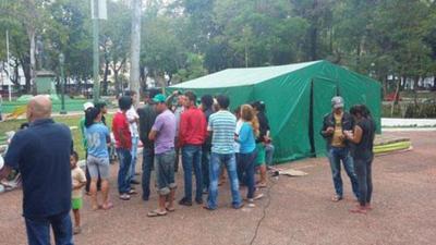Pobladores de Guahory permanecerán en Asunción hasta obtener una solución definitiva