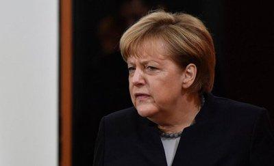 """Merkel, dispuesta a una cumbre con Putin sobre Ucrania """"a su debido tiempo"""""""