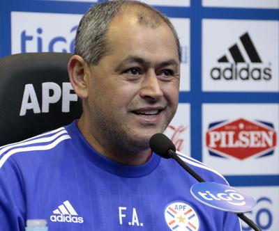 Citados albirrojos de clubes del exterior para juegos ante Perú y Bolivia se conocerán mañana