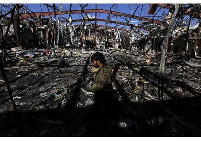 Mueren 60 presos y rebeldes hutíes en un ataque de la coalición árabe en Yemen