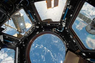 Curiosidades de campaña: de Broadway a Estación Espacial