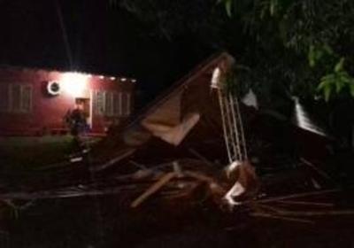"""""""Tornado"""" destecha siete viviendas en María Auxiliadora"""