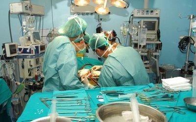 Primer trasplante de médula en Clínicas