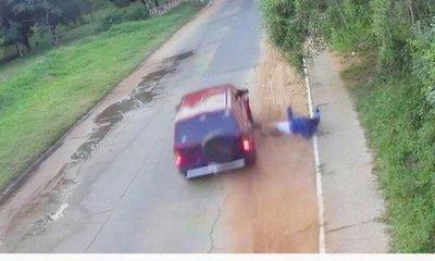 Joven alcoholizado arrolla y mata a su vecino, luego huye del lugar