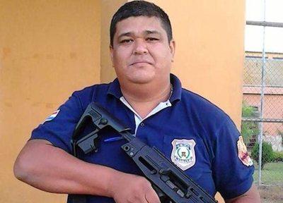 Guardiacárcel murió al estrellarse por bus