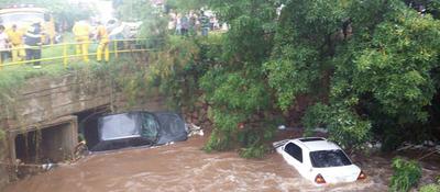 Fuerte temporal deja un muerto, vehículos arrastrados y destrozos