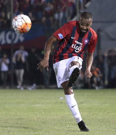 Cerro Porteño va con todo contra un rival River que ya perdió todo