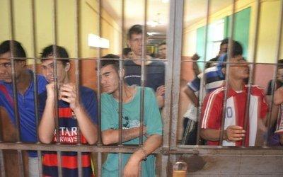 Superpoblación en el penal de Coronel Oviedo