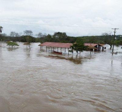 Desborde del río Aguaraymí inunda casas y olerías en Nueva Germania