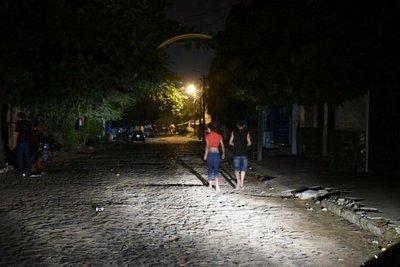 Chaco: Más de 15 mil personas sin energía hace 40 horas