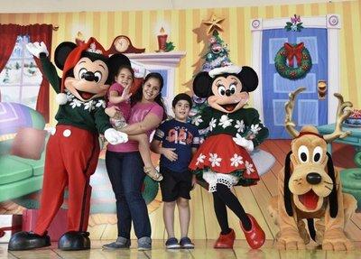 Mickey y sus amigos en el Shopping Mariscal