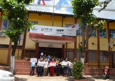 Instructores del SNPP reclaman pago