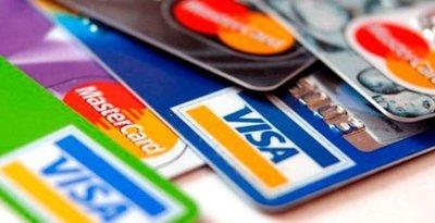 Operaciones de compras con tarjetas crecen hasta el 10% por  fin de año