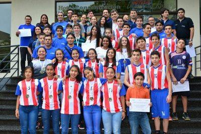 Reconocimiento para atletas de juegos sudamericanos escolares