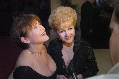 Fallece la mamá de Carrie Fisher
