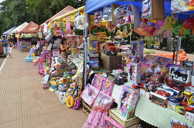 La ilusión de niños invade calles y comercios del país