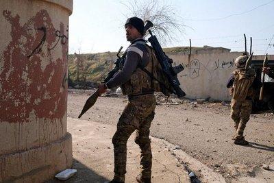 Irak lanza ofensiva contra el EI cerca de la frontera con Siria