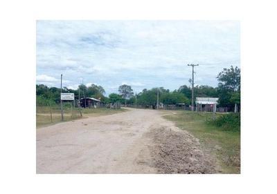 Puerto Casado: Reciben unas gotas tras horas de espera