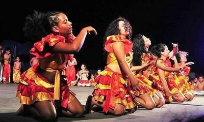 Doble festividad en Kambá Kua