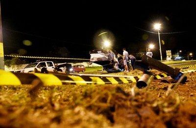 Una adolescente muere y tres sufren heridas en vuelco de una camioneta